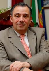 José Silvano explica-se sobre noticiadas faltas ao plenário