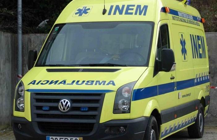 Dois homens feridos após caírem de um andaime em Vale de Prados (Macedo de Cavaleiros)