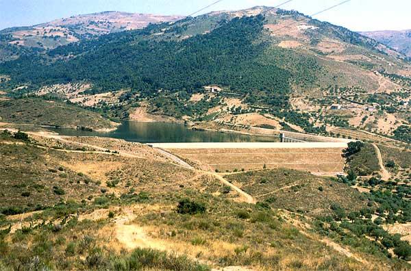 Barragem da Burga sem água