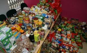 Uma tonelada de alimentos para famílias carenciadas de Macedo