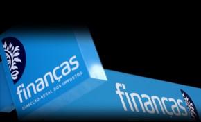 Ministra das Finanças vai ouvir autarcas sobre fecho das repartições