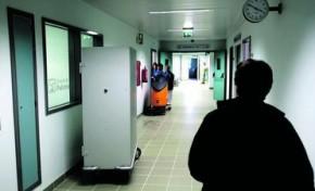 Enfermeira acusada de roubar idosos no Centro de Saúde
