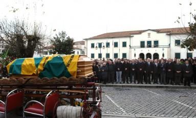 Macedo de Cavaleiros presta última homenagem a ex- presidente, António Joaquim Ferreira