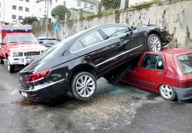 Bispo de Bragança-Miranda não ganha para o susto com carro novo