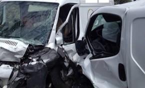 Ferido grave em colisão perto de Castro Roupal