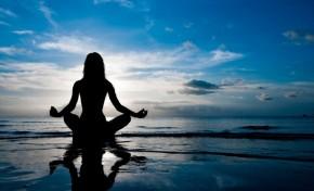 """""""Yoga é como música"""" Livraria Poética com aulas de Yoga"""