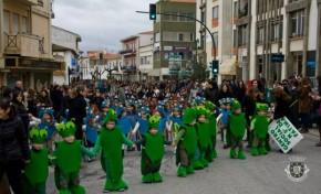 Carnaval macedense começou com o desfile das escolas