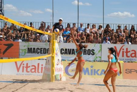 Campeonato Nacional de Voleibol de Praia decide-se este fim-de-semana no Azibo