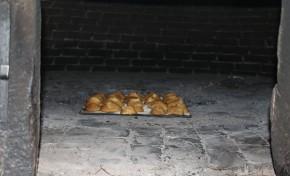 Como se fazem os folares tradicionais e em forno de lenha?