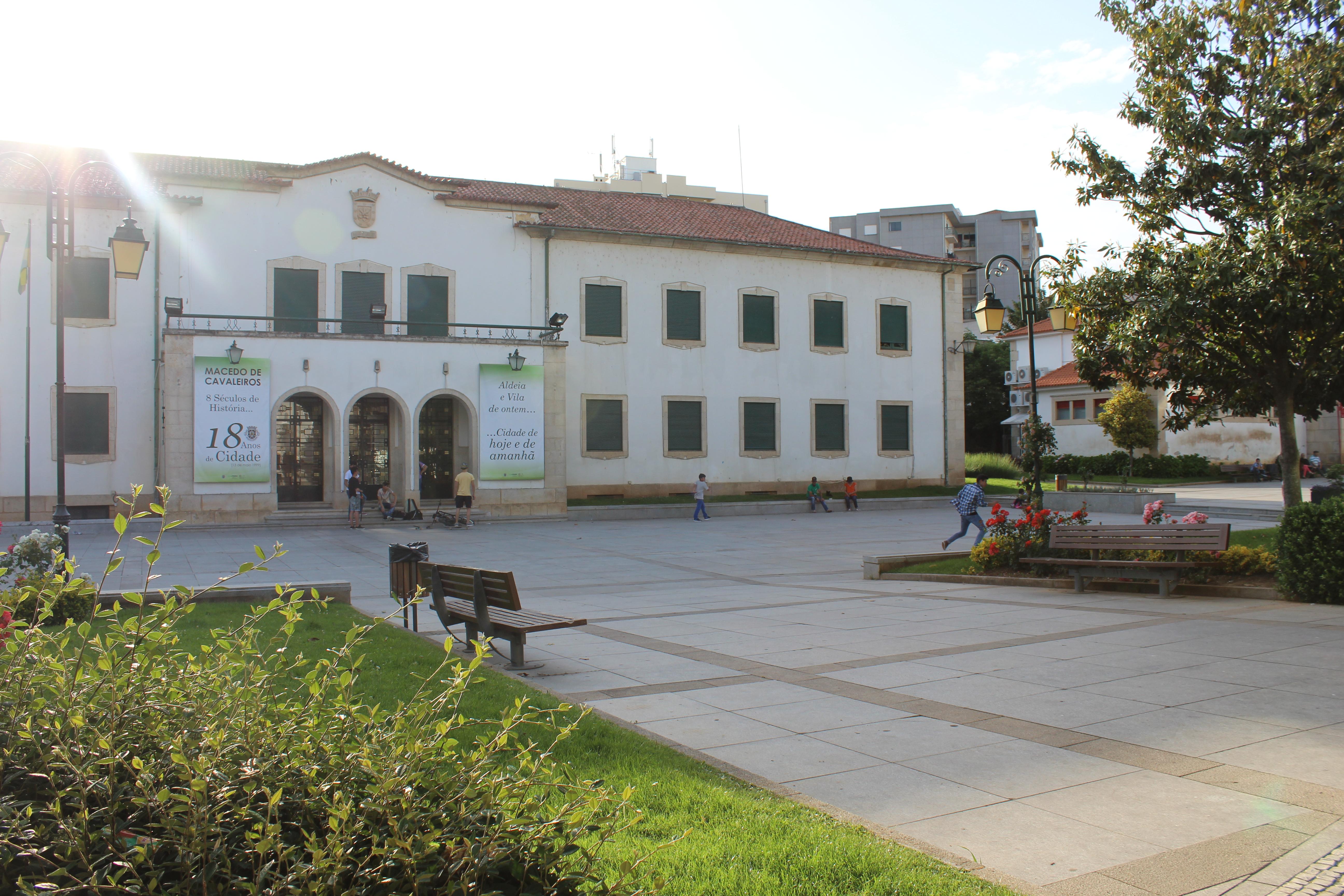 Câmara de Macedo tem 51 vagas para emprego mas não as consegue preencher