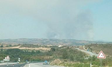 Fogo em Alvites mobiliza mais de 100 bombeiros. Em Vila Chã, heli cai à barragem