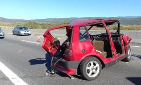 Veículo ligeiro atingido duas vezes esta tarde na A4