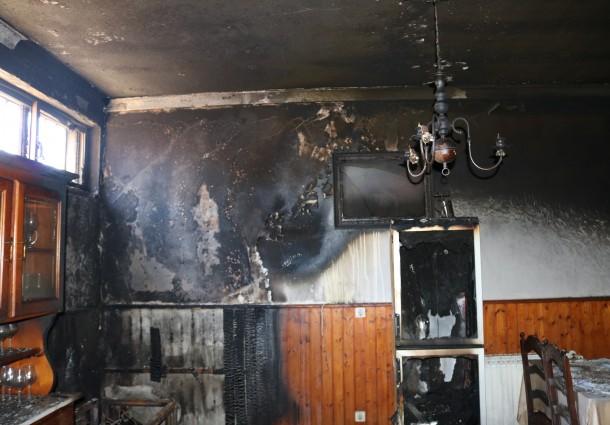 Incêndio deflagrou em restaurante esta madrugada
