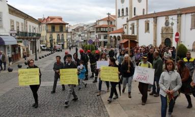 """Cerca de duas centenas saíram às ruas de Bragança para dizer """"não"""" aos incêndios"""