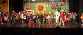 Escolas de Macedo foram ao teatro celebrar o Natal