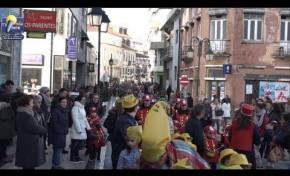 ONDA LIVRE TV - Macedo recebe centenas de crianças para festejar o Carnaval