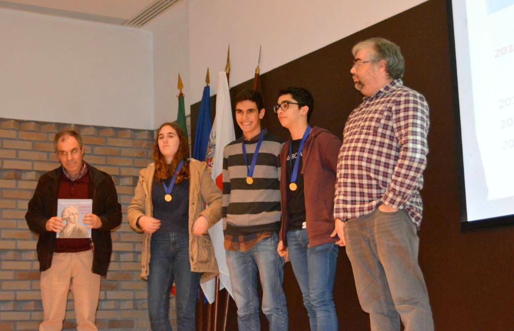 Alunos de Macedo vão representar Trás-os-Montes na Nacional das Olimpíadas da Química