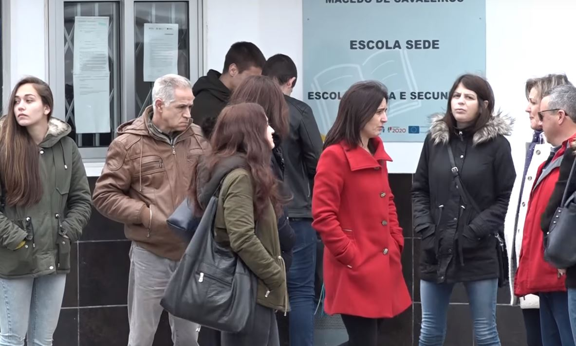 Os 60 alunos de Macedo sem professor de História deverão voltar a ter aulas já na segunda-feira