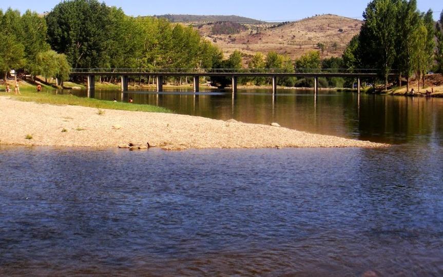 O Rio Tua está poluído … outra vez