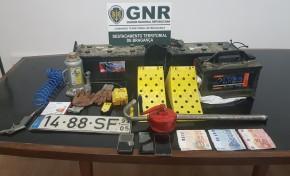 Quatro homens identificados por suspeita de furto em Macedo