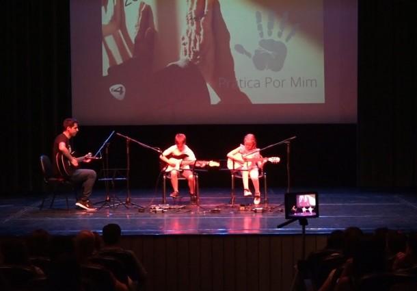 ONDA LIVRE TV - Escola de Guitarra G4 de Macedo organiza segundo concerto solidário