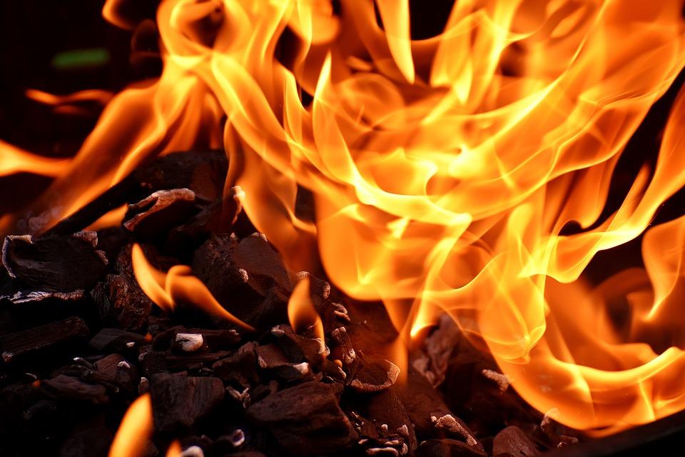 Incêndio deixa homem de 86 anos desalojado em Serapicos (Bragança)