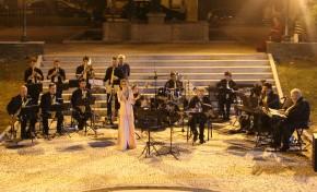 Fénix Beira-Douro Orquestra Ligeira levou música até à Praça das Eiras