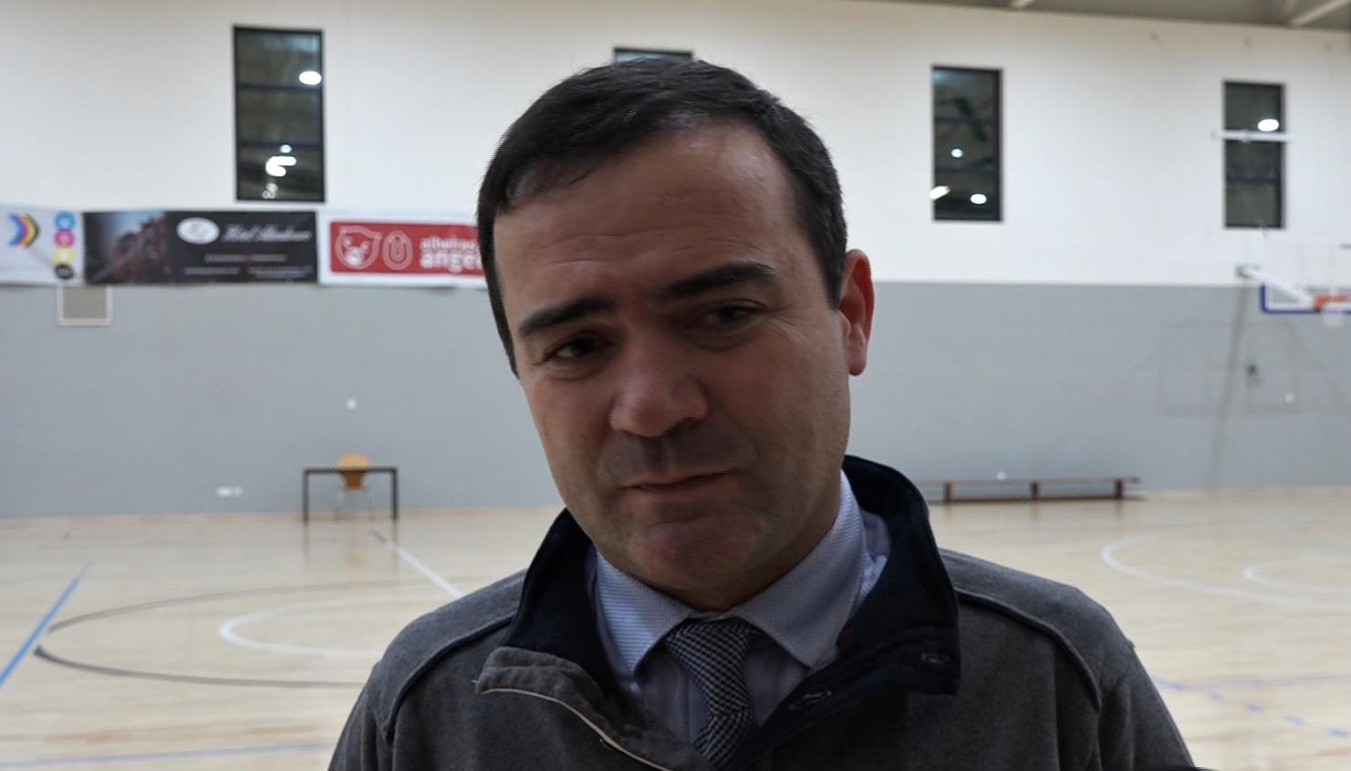"""""""O foco é o campeonato mas todas as competições servem para crescer"""" (António Aires)"""