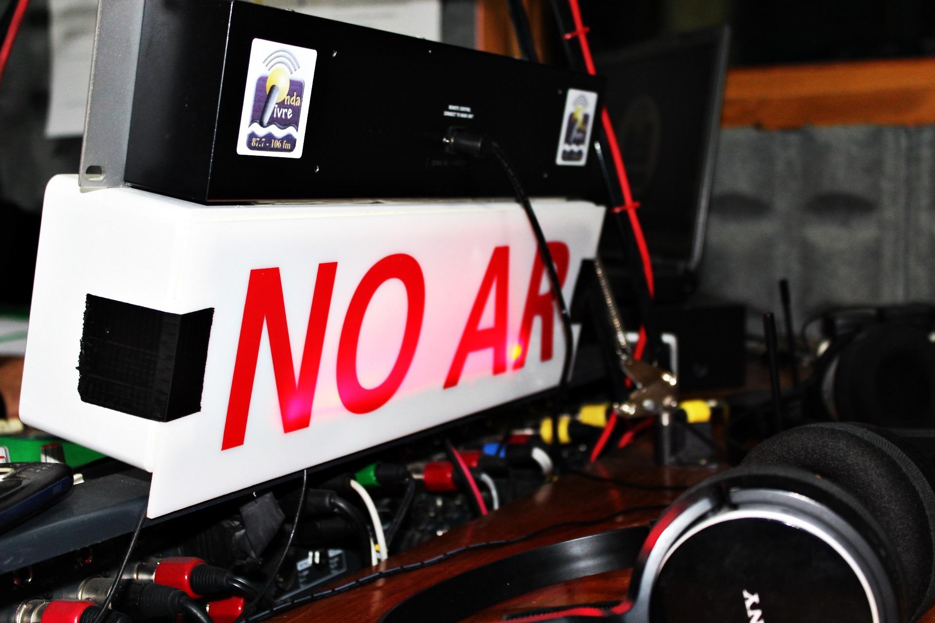 Ouvintes da Rádio Onda Livre reagem à crise financeira que a cooperativa de informação atravessa