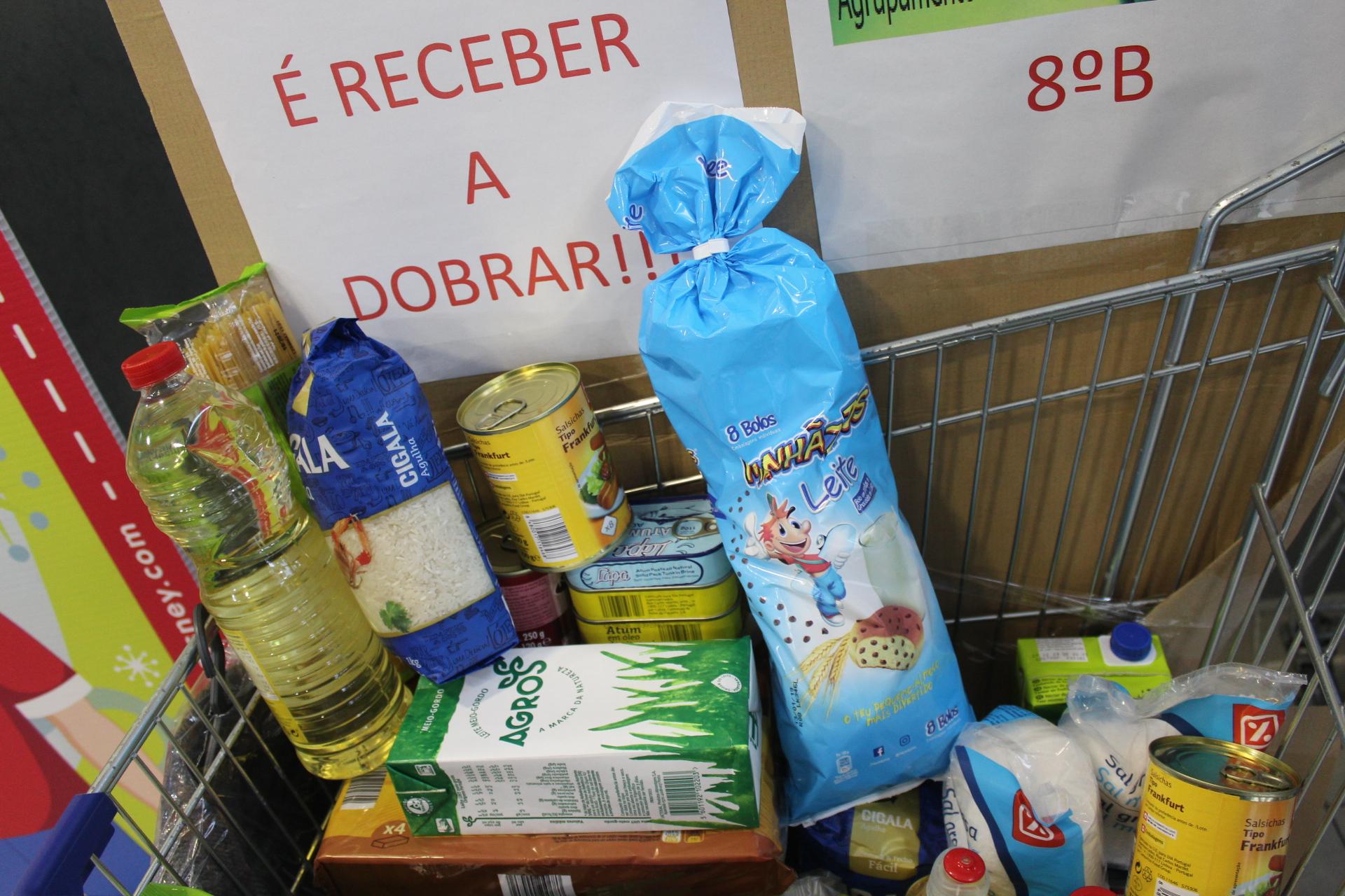 Alunos de Macedo promovem recolhas de bens para ajudar colegas carenciados neste Natal