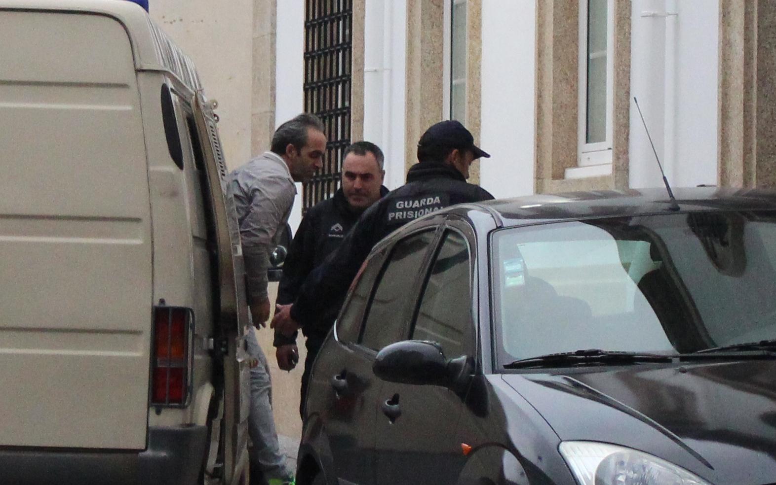 Sete anos de prisão para o homem que esfaqueou a mulher mais de 30 vezes em Bragança
