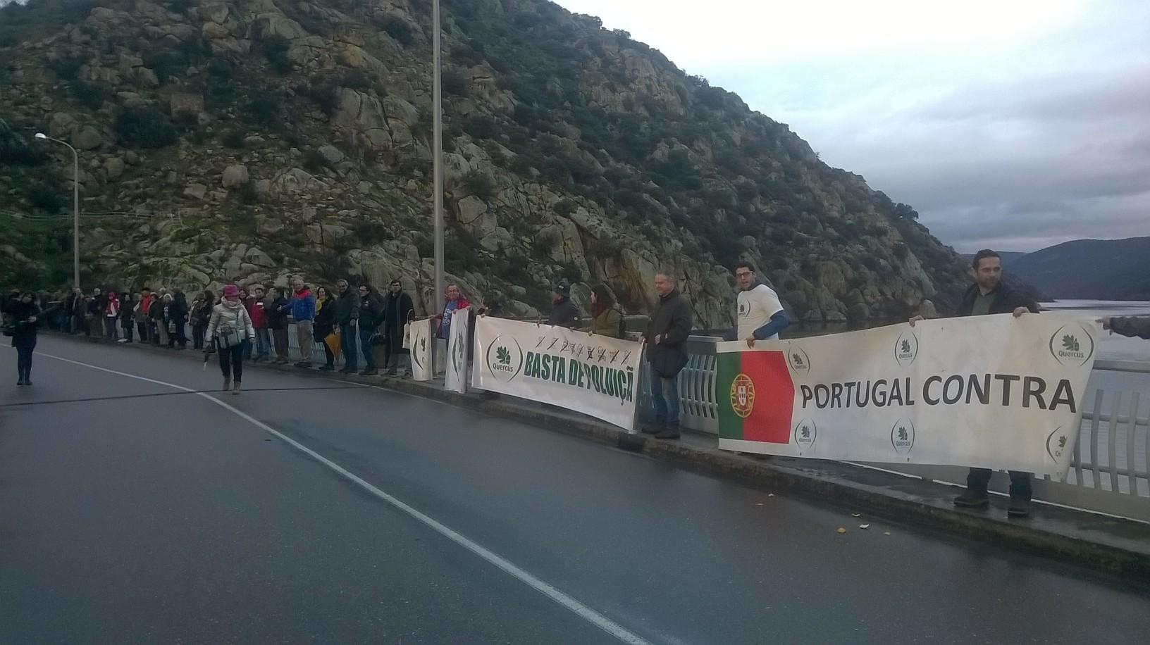 Portugueses e Espanhóis contestam exploração de urânio junto à fronteira