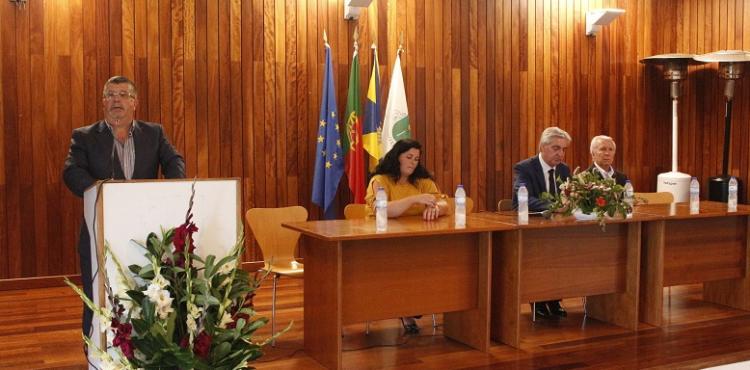 Autarca de Izeda insiste na necessidade de que os alunos das aldeias limítrofes de Macedo devem frequentar a escola da vila