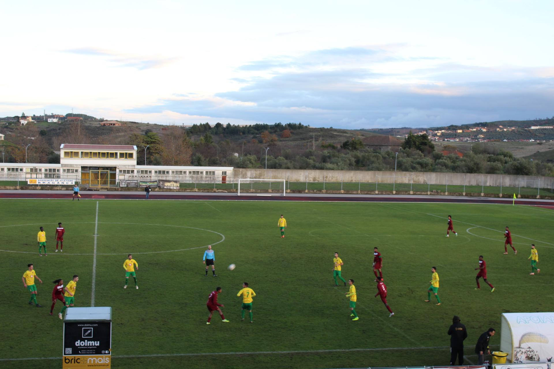 CA Macedo e Africanos de Bragança empatam por 2-2 na primeira mão da Taça AFB