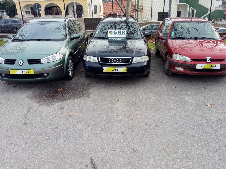 Dois detidos por furto de veículos em Macedo de Cavaleiros, Mirandela e Bragança