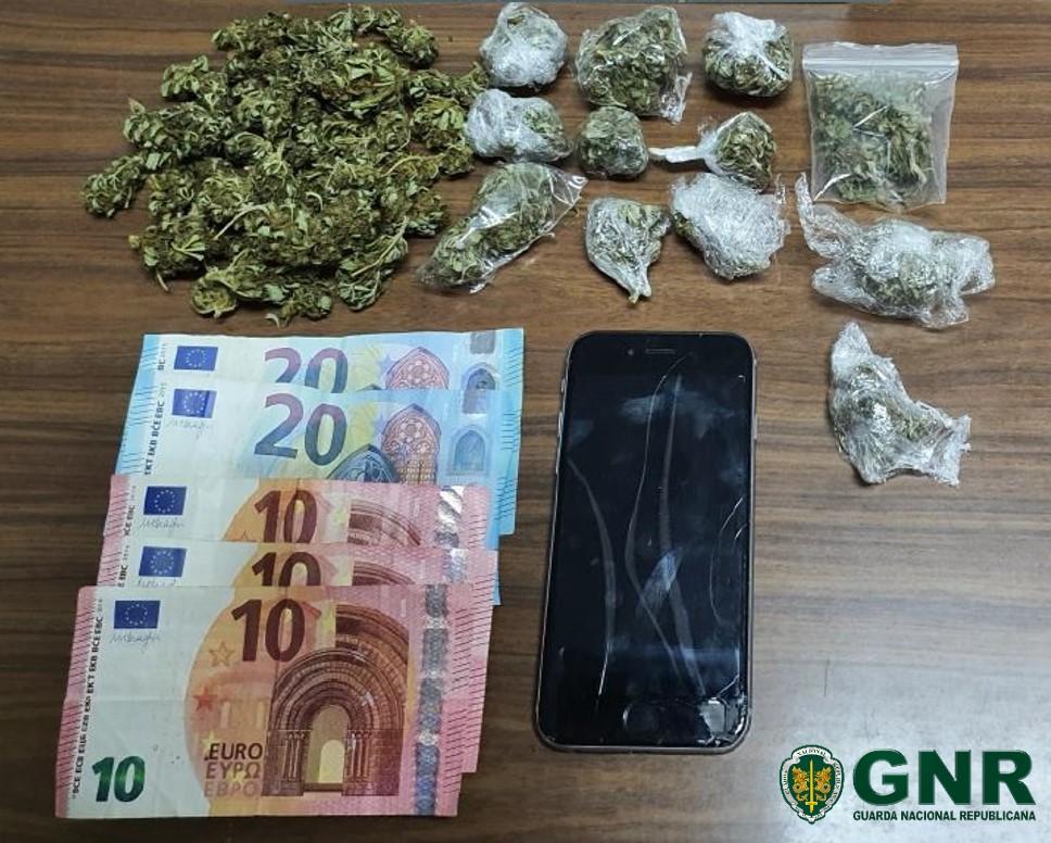Jovem detido por tráfico de estupefacientes em Macedo de Cavaleiros