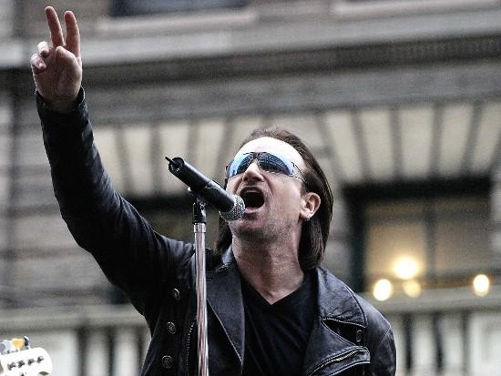 Bono do U2 acha a sua voz feminina