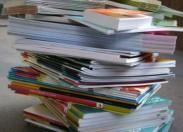 Há livros escolares esgotados ou com entrega tardia