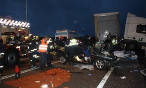 Fatídico acidente tira a vida a pai, filha e criança de 8 anos