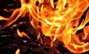 Incêndio deixa cinco jovens desalojados em Bragança