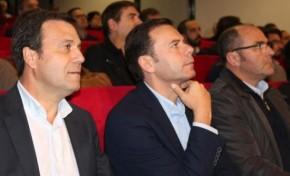 Luís Montenegro diz que não é o momento oportuno para se debater a regionalização