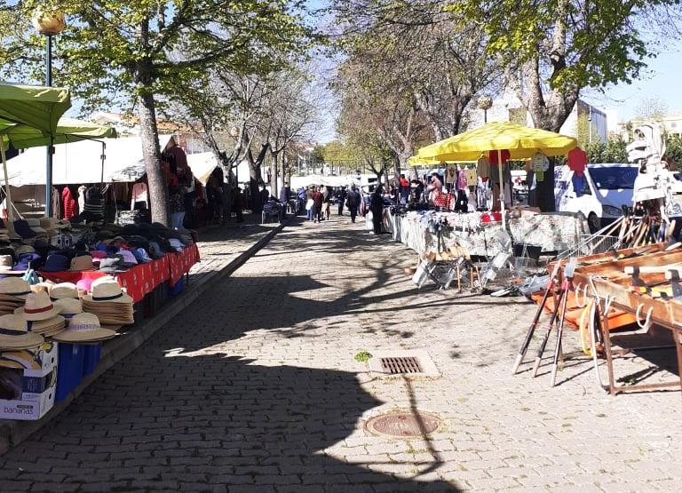 Feira Municipal voltou a realizar-se em Macedo depois de dois meses de interregno