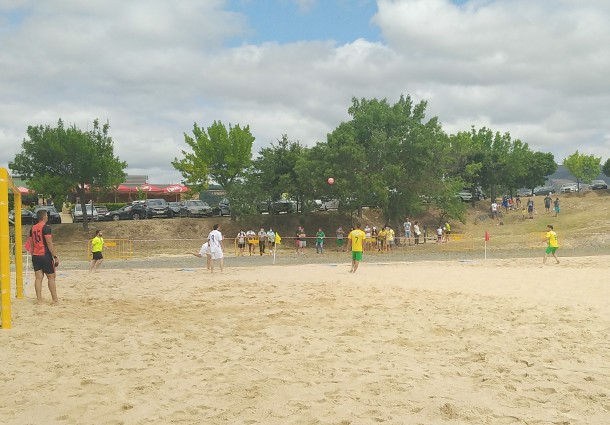 Macedense e CA Macedoapurados para as meias-finais do Campeonato Nacional de Futebol de Praia Masculino