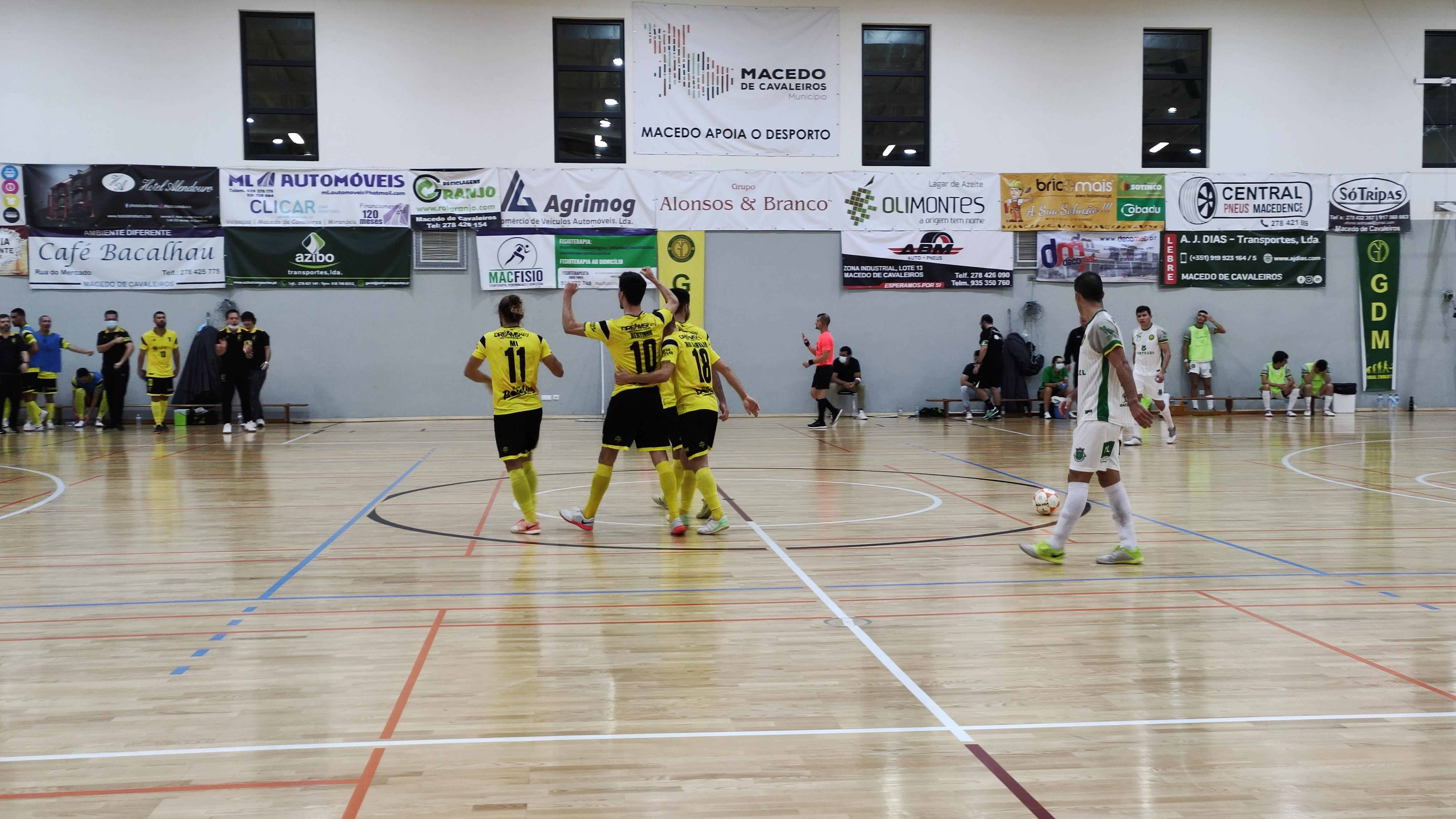Macedense quebra ciclo de vitórias ao perder com o Fafe por 3-4